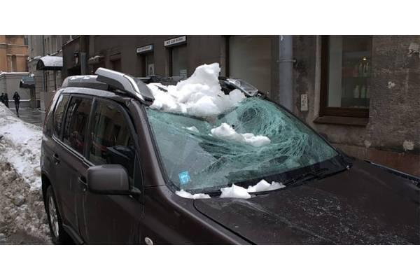 На авто впала бурульк�...